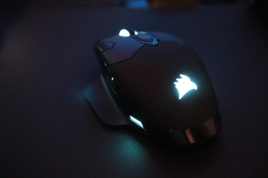 コルセア マウス 手前